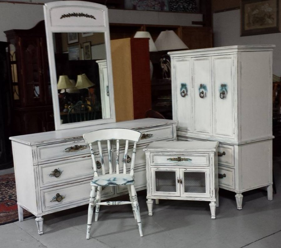 4 Piece Bedroom Set By White Furniture Co Painted And
