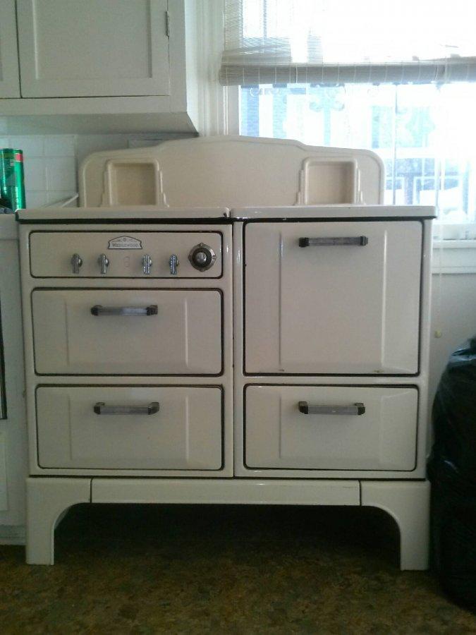 1930 s Wedgwood natural gas kitchen range stove