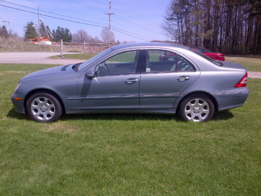 2005 mercedes c240 4matic usa chalk hill pa car vehicle deal classified ads. Black Bedroom Furniture Sets. Home Design Ideas