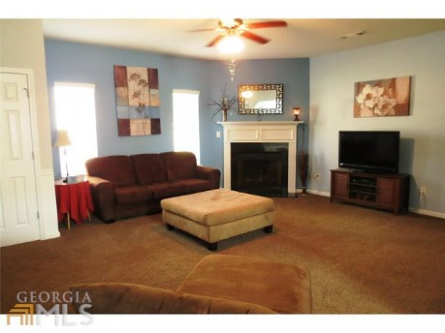 Large 5 Bedroom 3 Full Bath 2600square Foot House