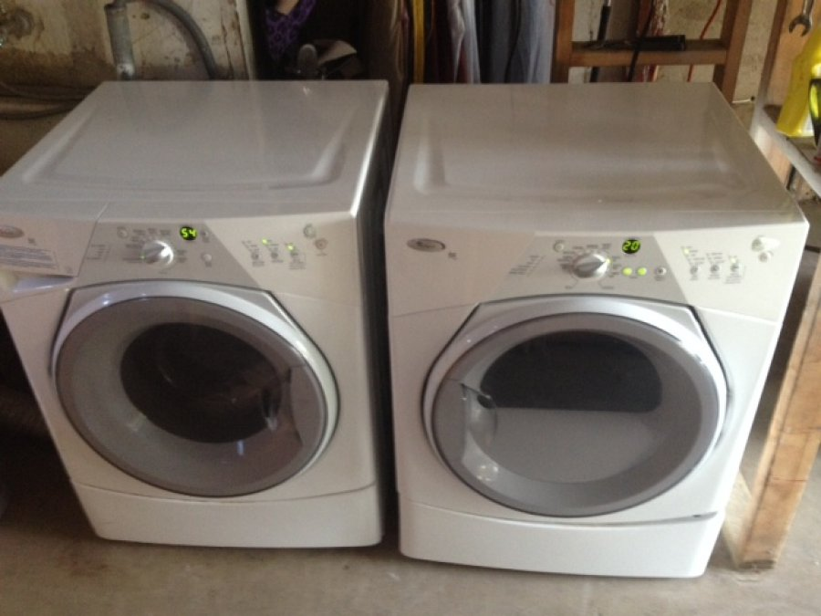 2yr old stack whirlpool duet sport washer gas dryer frontloaders energy star really clean in. Black Bedroom Furniture Sets. Home Design Ideas