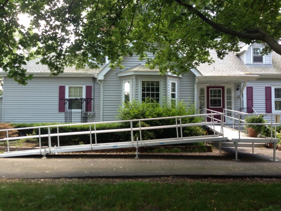 Ada compliant handicap ramp usa crystal lake illinois Ada compliant homes