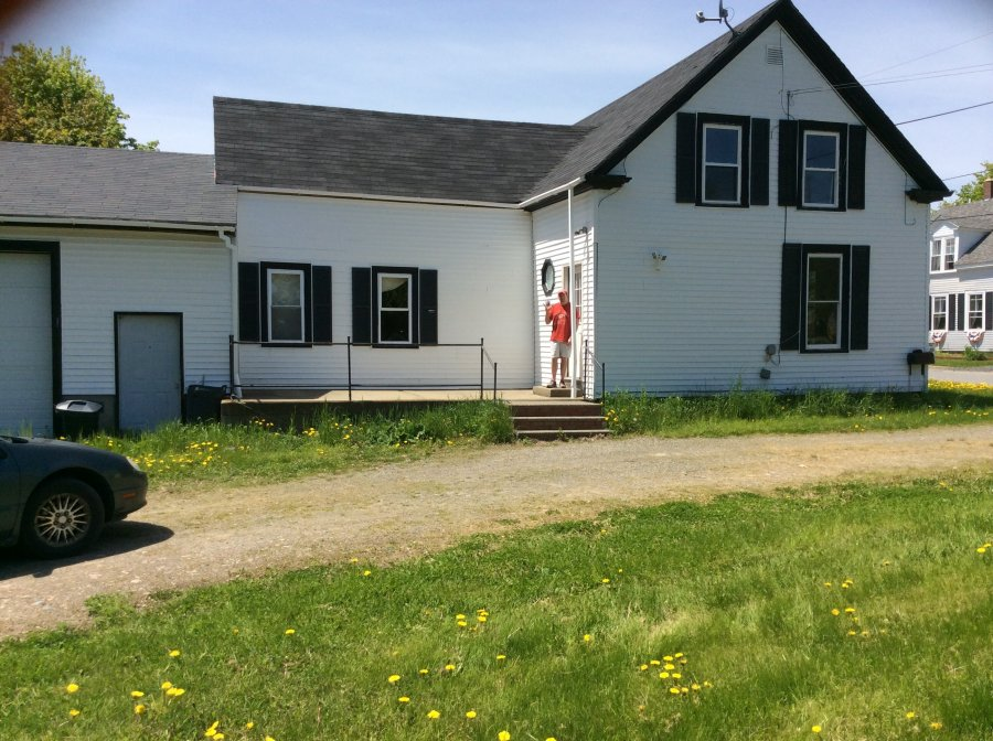 2 story 3 bedroom 2 baths hot water heat extra large for Two story garages for sale