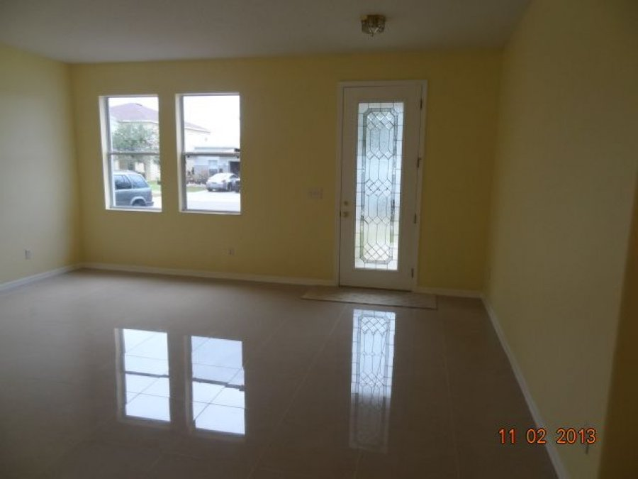 House For Rent 4 Bedrooms 2 5 Baths 2500 Sqft Ruskin