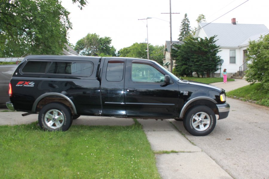 2002 ford f150 suoer cab fx4 for sale grand rapids grand rapids 5995 vehicle deal. Black Bedroom Furniture Sets. Home Design Ideas