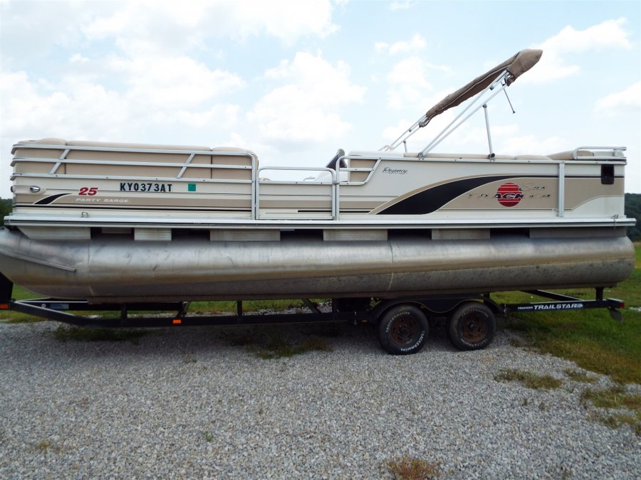 2002 suntracker 25ft party barge pontoon with 125 horse for 4 horse boat motor