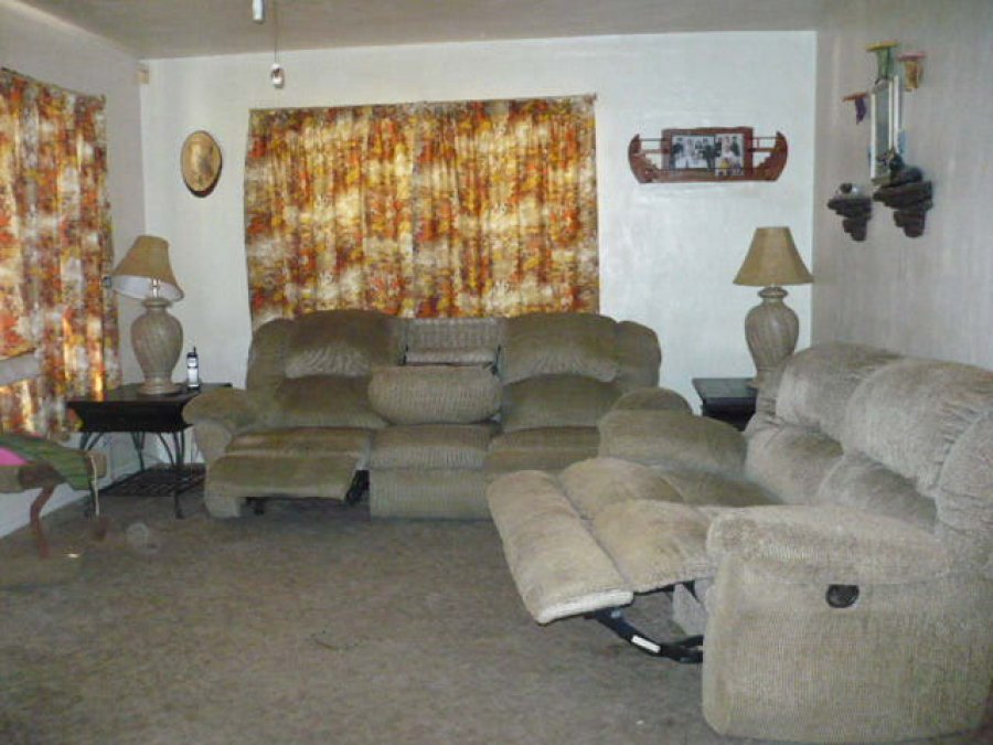 Moving sale 7 piece living room set florida 7piece for Living room sets under 700