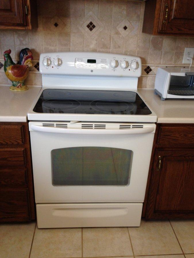 ge self cleaning glass top electric range colorado colorado springs co 200 appliances. Black Bedroom Furniture Sets. Home Design Ideas