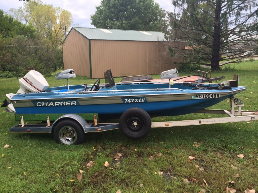 Charger Boat With Johnson Motor N New Trolling Motor