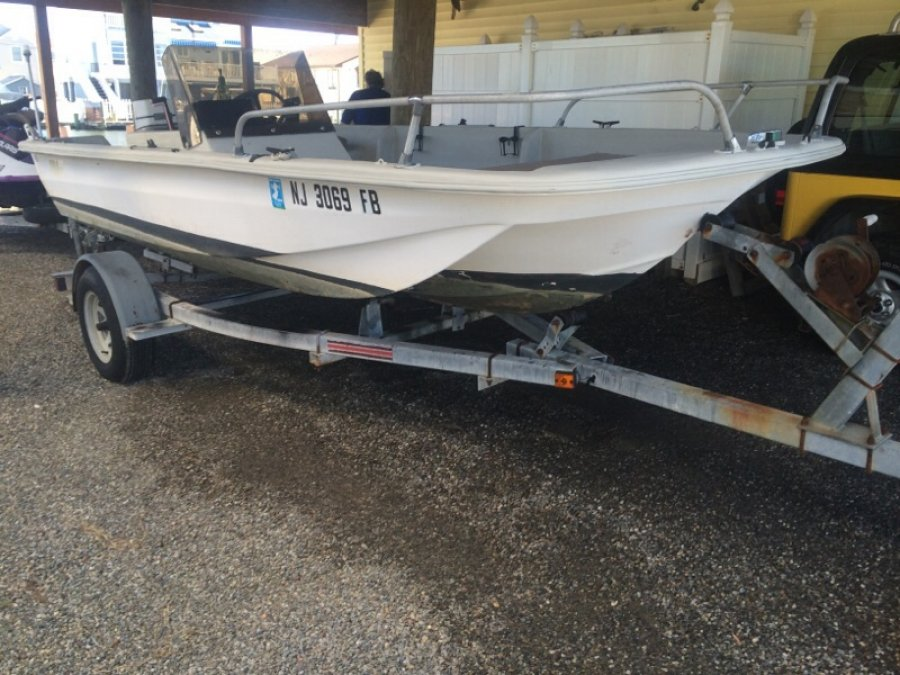 Nice 17 39 fishing boat new jersey 08731 1309 kauai dr for Nice fishing boats