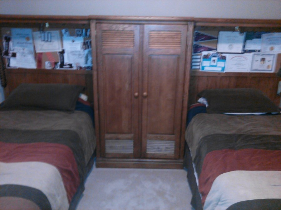 Lexington locker room 4 pc twim bedroom set cincinnati - Used lexington bedroom furniture ...