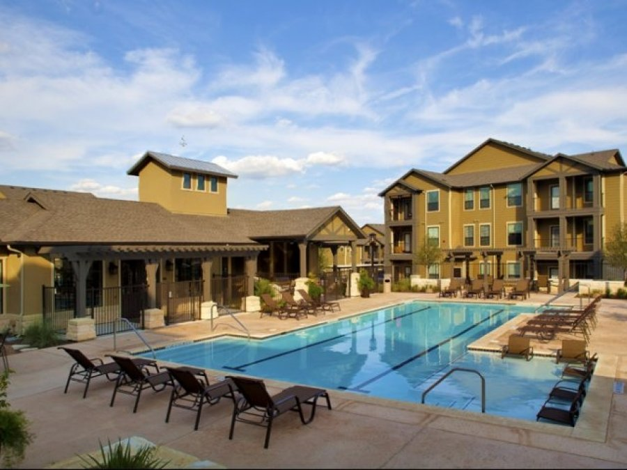 Beautiful luxury apartments townhomes in westover hills for Garden hills pool hours