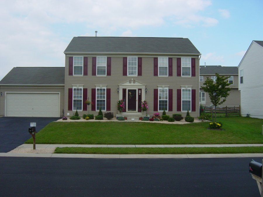 2 story single family in an excellent location delaware for Two story houses for sale