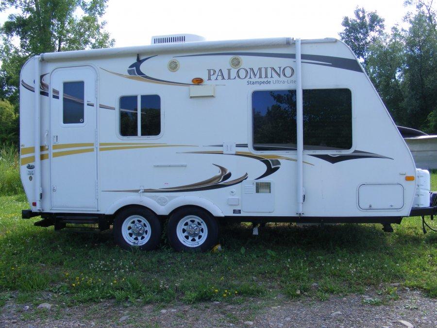 Upgrade To A Hybrid Camper 2011 Palomino Stampede 195sd