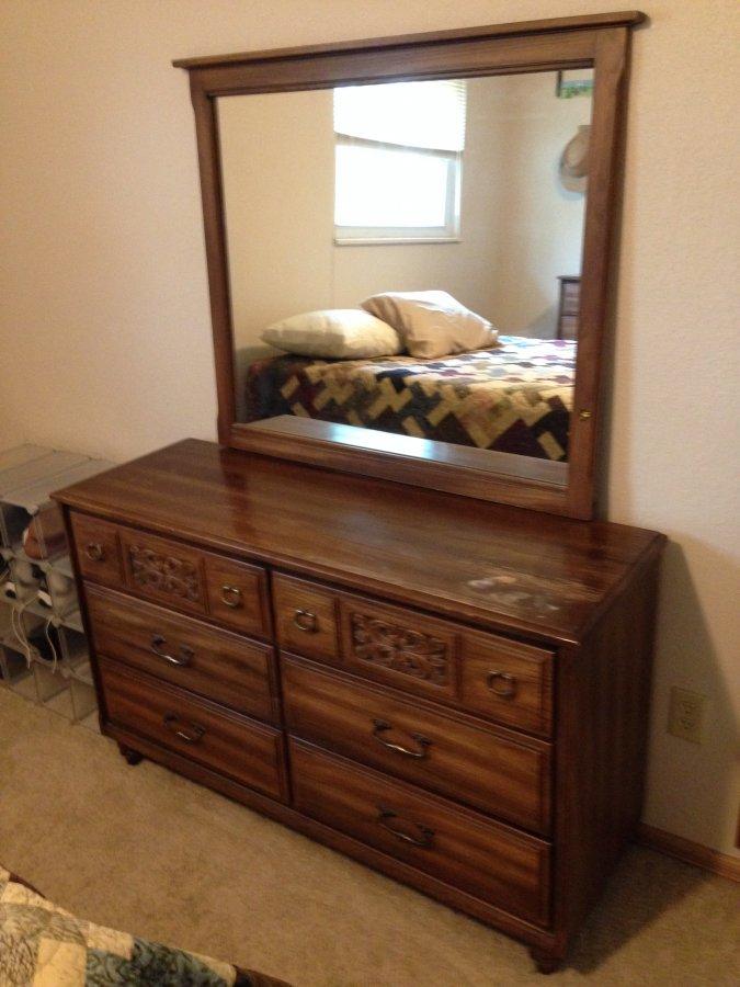 bedroom set two dressers headboard 75 obo centennial 80121