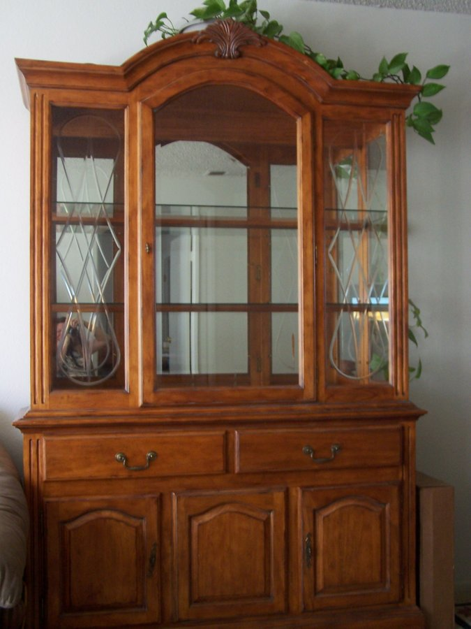 Dining Table And Chairs With Matching China Cabinet