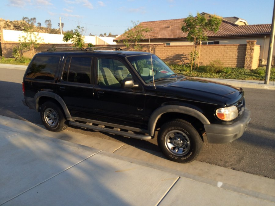 1999 Ford Explorer 4x4 V6 Manual Transmission Black