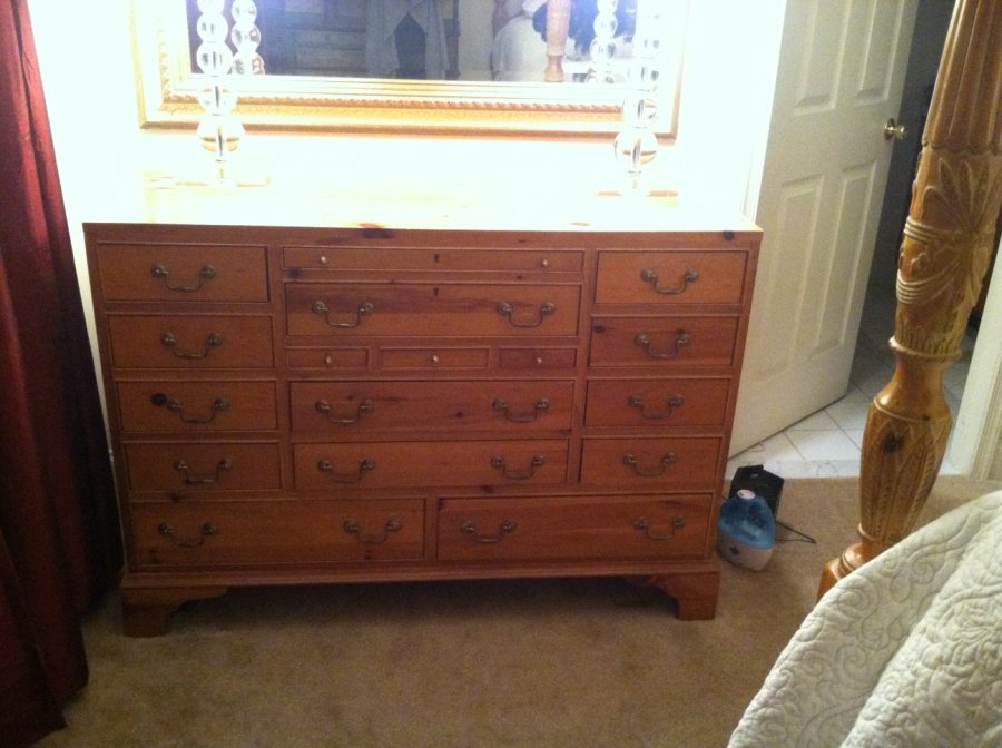 Queen Sized Bedroom Set Philadelphia 19333 Devon 750 Home And Furnitures Items For Sale
