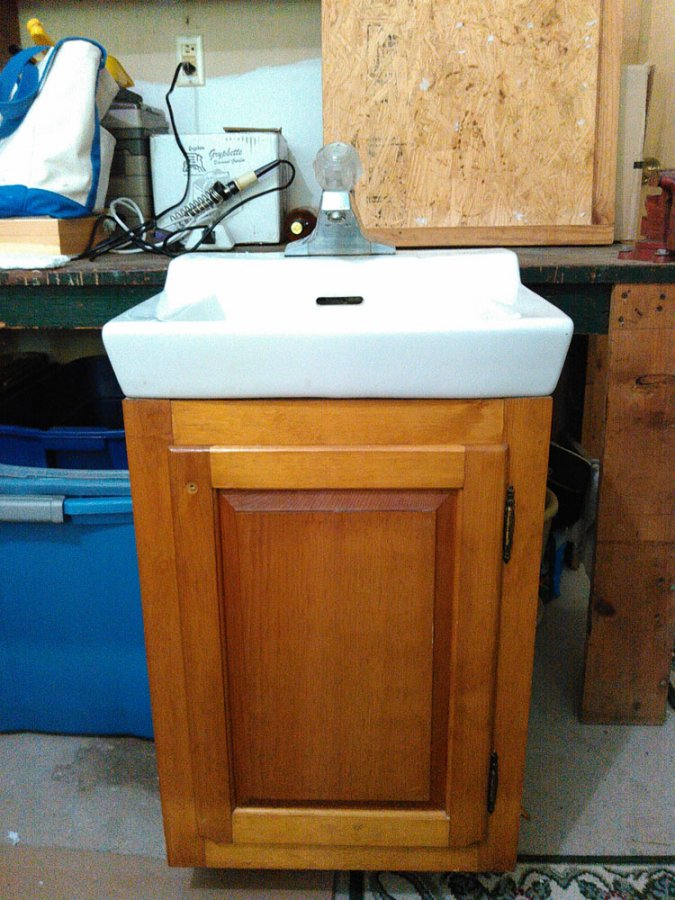 Bathroom Sink With Vanity Hartford 06479 Plantsville Free Stuff Items For Sale Deal