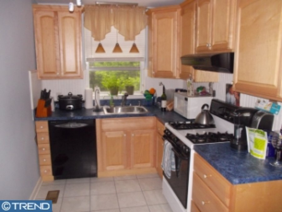 Upper Darby Spacious 3 Bedroom 1 Bath Home Philadelphia 19082 Upper Darby 1350 House For