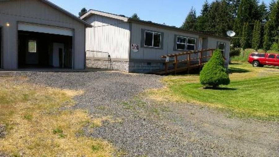 owner contract 50 000 dwn 1 ac 1995 3 bed 2 bath dbl mobile garage barn 208 000