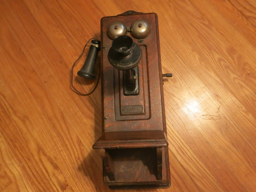 Monarch Antique Oak Wall Phone Murfreesboro 37130 1508 East Main St 250 Home And