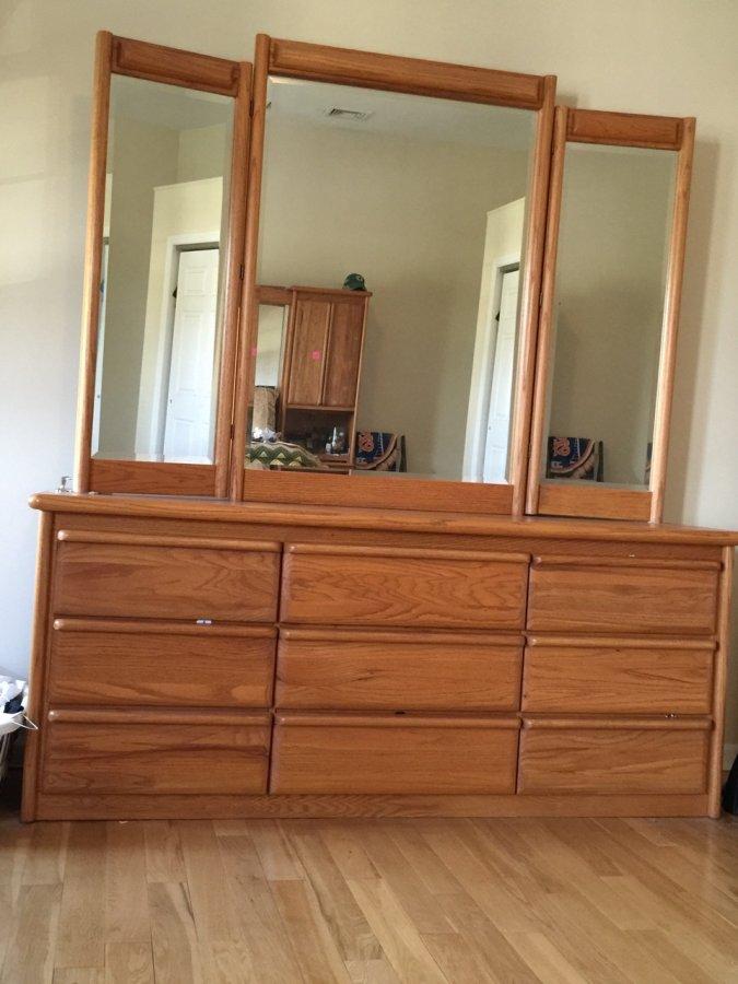 Solid Oak Queen Bedroom Set | New York 11757 Lindenhurst ...