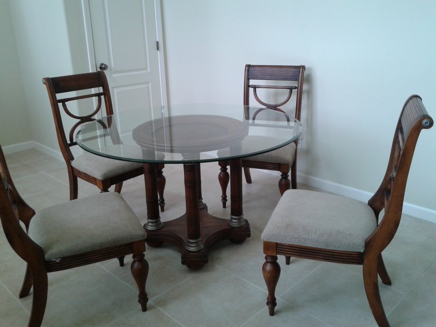 Glass Top Round Dining Table plus 4 Wooden Chairs 26500  : glass top round dining table plus 4 wooden chairs 265001 from classifieds.craigclassifiedads.com size 900 x 675 jpeg 73kB