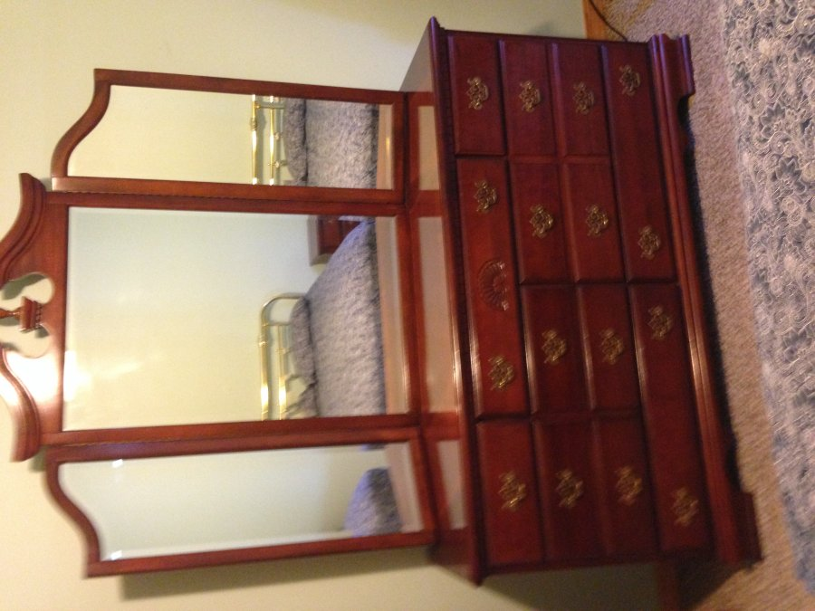 Queen Size Bedroom Set Springfield 65747 Shell Knob Mo Home And Furnitures Items For Sale