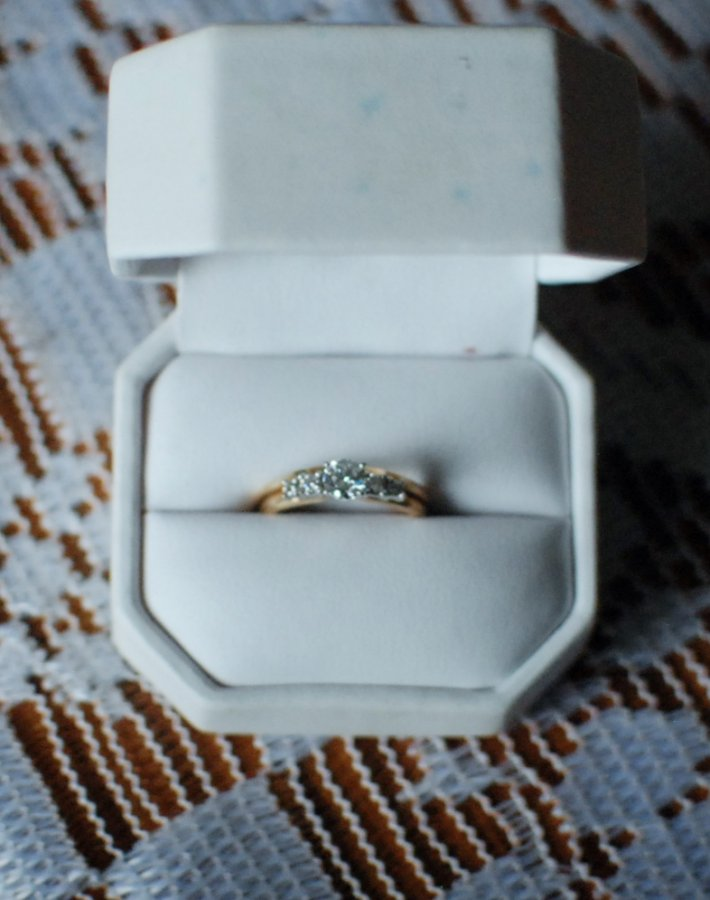 1 Carat Diamond ring With Wrap around Syracuse ROME $1000