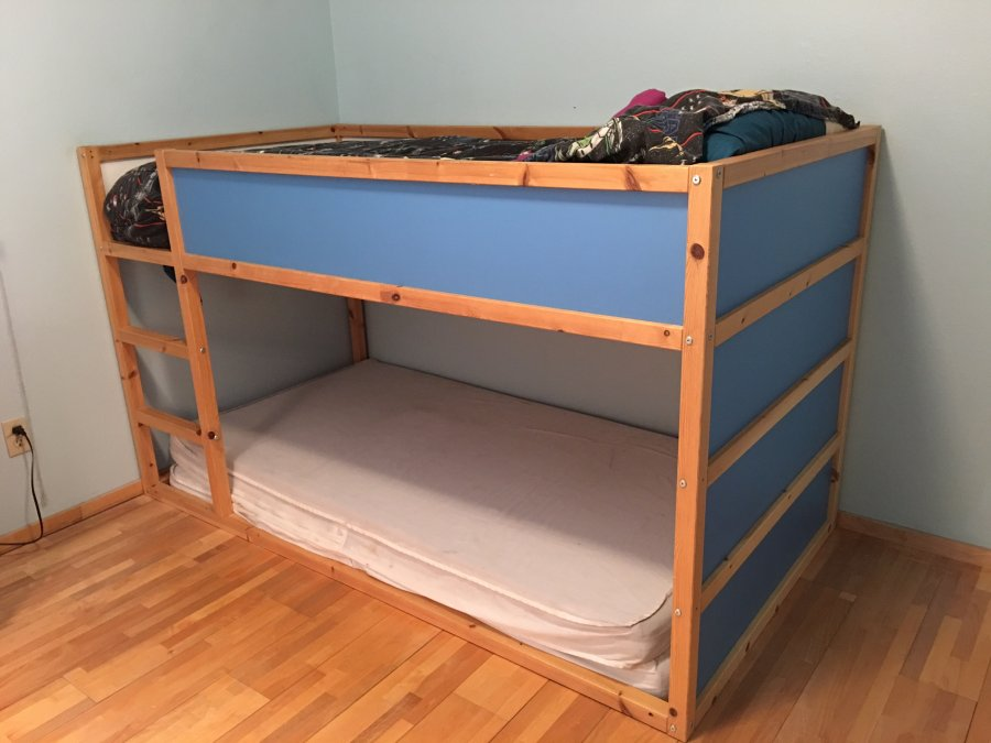 Ikea bunk bed wedgewood blue and pine color california for Ikea blue bed