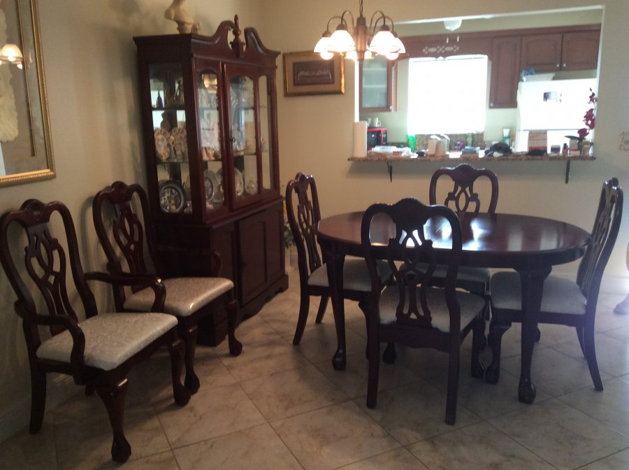 Dining Room Set Beautiful Table For 8 With Extension Leaf 4 Chairs 2