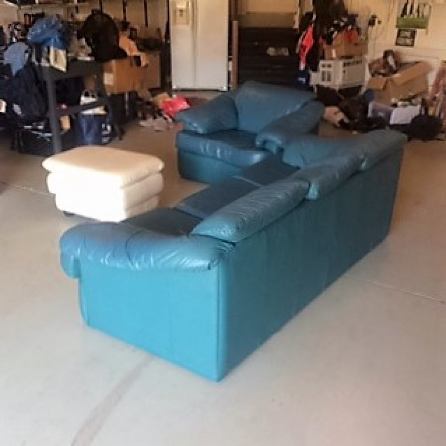 Sofa And Chair With Non Matching Ottoman Virginia Beach 23456 150 Home And Furnitures