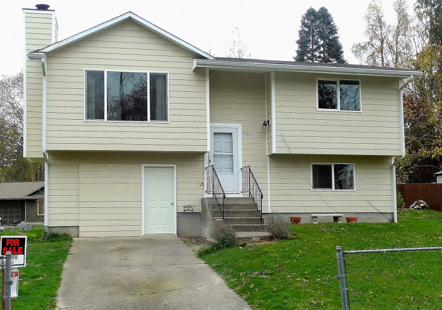 fsbo just remodeled 3 bedroom 2 bath 1574 sf home on a large fenced