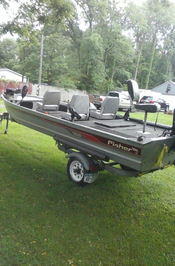 1986 5021 marsh v21 fisher bass boat rochester 14470 for 16 foot aluminum boat motor size