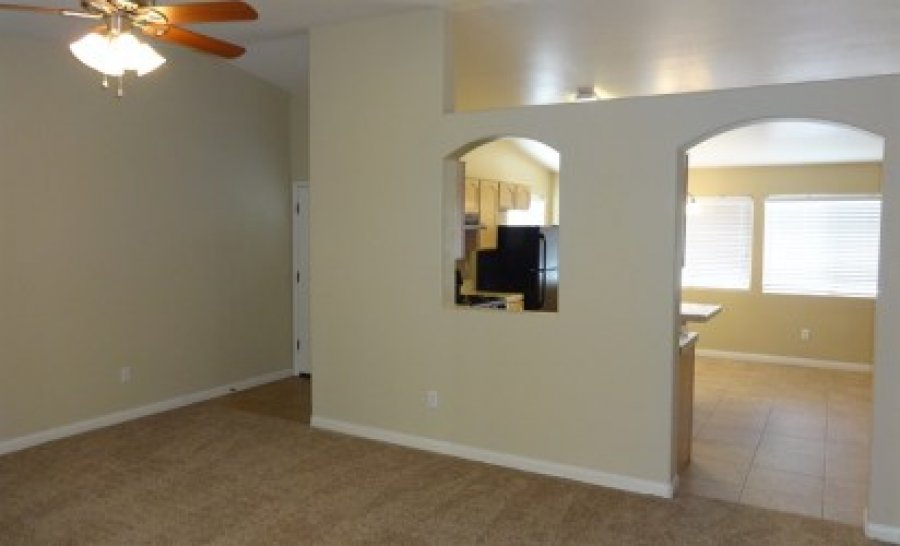 This 3 Bedroom 2 Bath Home Bakersfield 93308 2904 Meadow Ridge Avenue 700 House For Rent