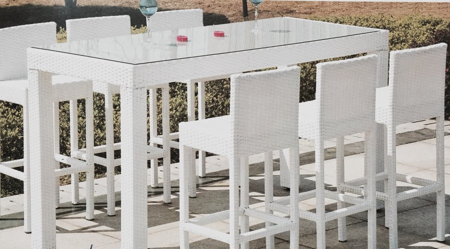 Garage Sale Patio Furniture Outdoor Furniture Outdoor Decor And Garden Tools Auction Patio