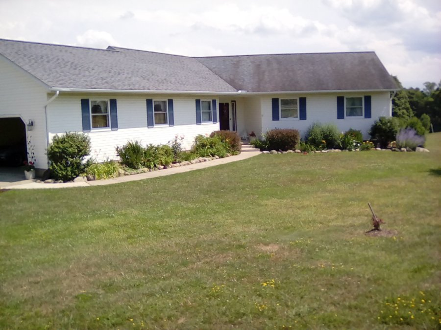 Country home in greene twp pennsylvania erie 16441 10053 for Walkout basement sunroom