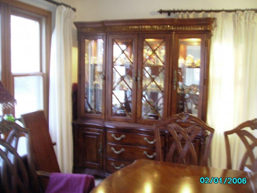 Formal traditional dining room set rockford 61021 dixon for Traditional formal dining room