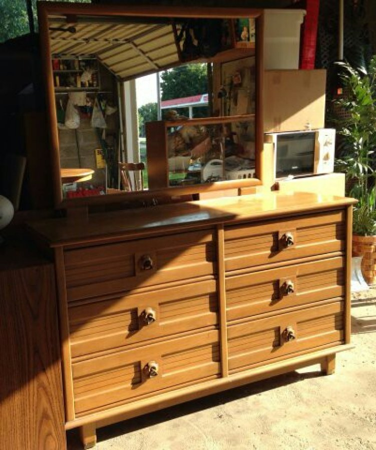 Dresser With Mirror And Chest Solid White Oak Kansas