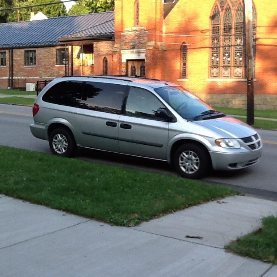 2007 Dodge Caravan 7 Passenger $2,000