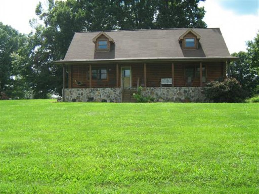 Beautiful Log Home With 23 Acres Tennessee 37160 Red