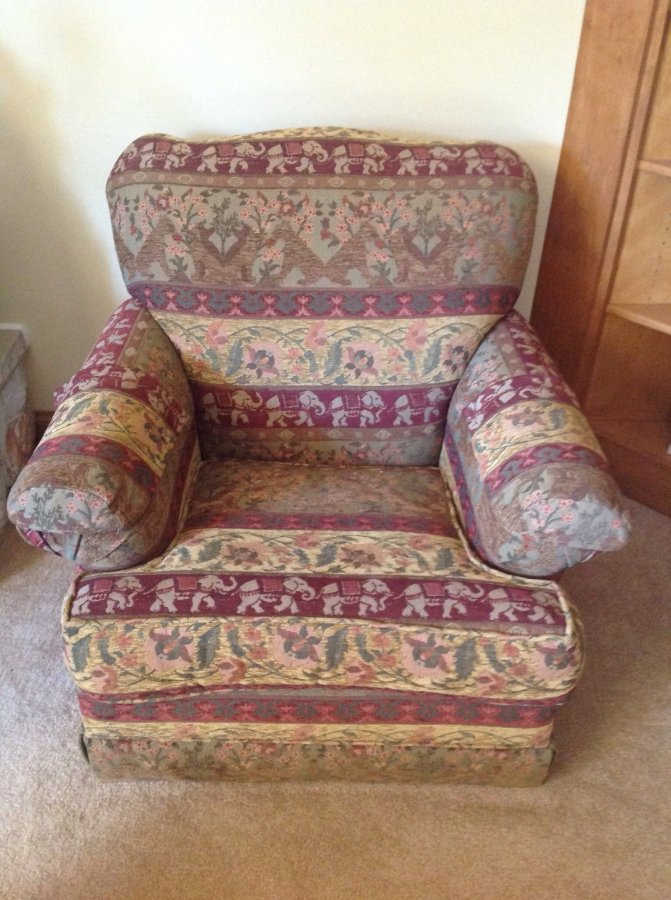 Living Room Sitting Chair Wisconsin 53151 New Berlin 100 Home And Furnitures Items For