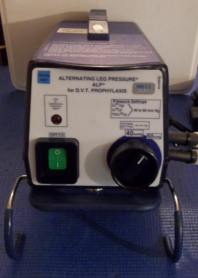 alternating leg pressure machine