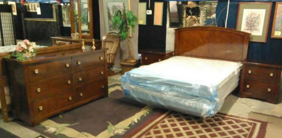 Huge used new furniture store grand rapids 49509 jojo for Affordable furniture warehouse