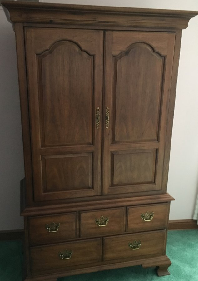 Thomasville brand bedroom set Excellent condition 4