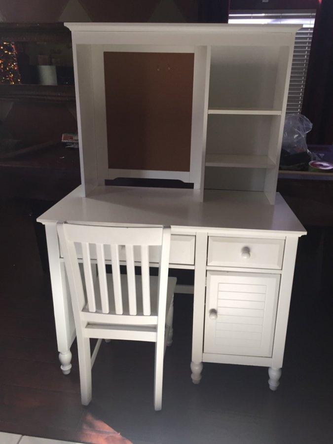 desk computer desk white bakersfield 93312 60 items for sale deal classified ads. Black Bedroom Furniture Sets. Home Design Ideas