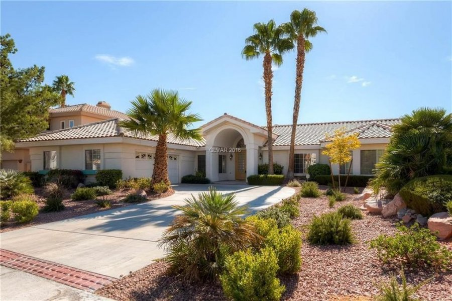adorable single story home located in gated in ritz cove community across from lagoon park