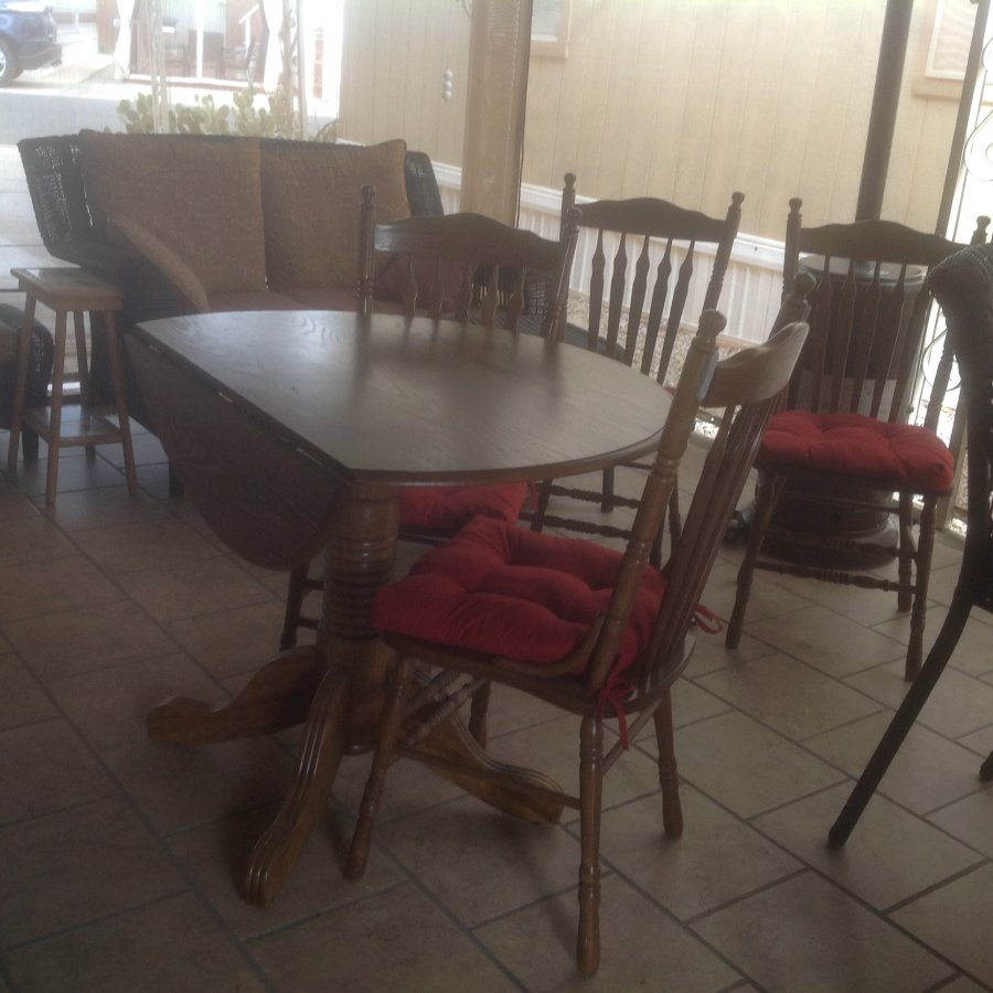 Small dinette table and four chairs arizona 85364 yuma for Small dinette sets for 4