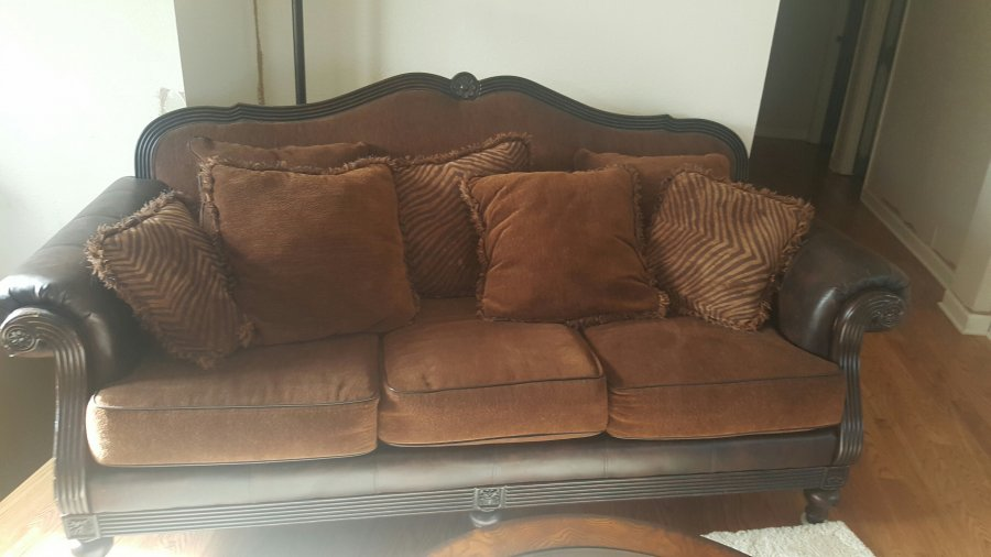 Sofa for sale kansas city 64119 300 home and for Comfortable couches for sale